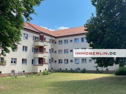 IMMOBERLIN.DE - Ersteinzug nach Sanierung! Sehr attraktive Wohnung mit Pkw-Stellplatz in gefragter