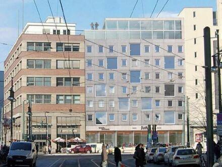 Mitten im Zentrum der Stadt - Grundstück mit Wohn-und Geschäftshaus am Alexanderplatz in Berlin