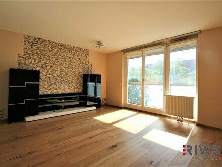 Sonnige helle 4-Zimmer-Maisonette-Wohnung mit 2-Loggien