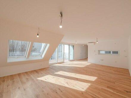 ++NEU++ Fantastische 4-Zimmer Dachgeschosswohnung mit südseitigem ca. 13m² Balkon!