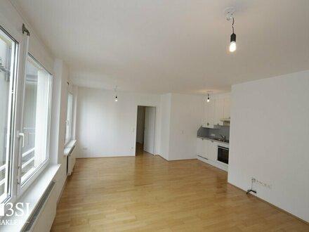 Helles Apartment mit Freifläche und toller Infrastruktur Nähe Schlossquadrat!