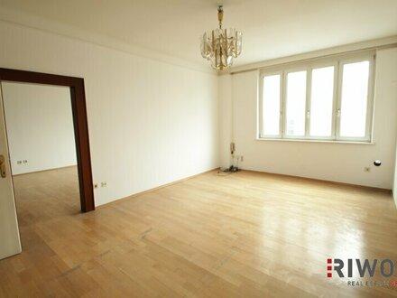 //NEU// Hier gelangt eine sanierungsbedürftige Wohnung/ Praxis in den Verkauf
