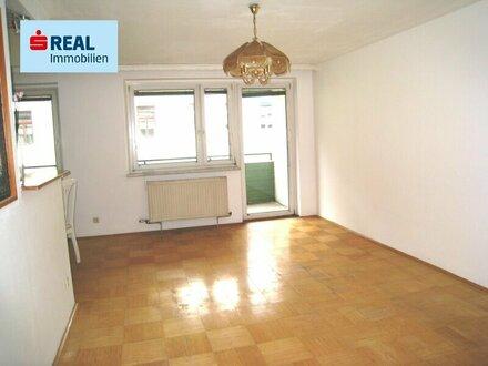 4-Zimmer-Wohnung mit Loggia und Autostellplatz