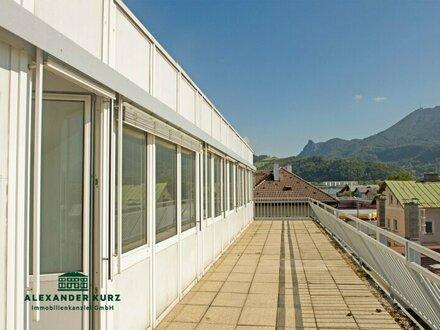 Penthouse-Büro mit Sonnenterrasse