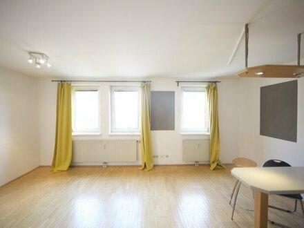 Tolle 1 Zimmer Wohnung zwischen Weinbergen und optimaler Infrastruktur!