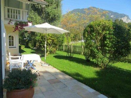Elegante, zeitlose Villa mit viel Flair und zauberhaftem Garten in Grossgmain * Landidylle pur * die Seele baumeln lass…