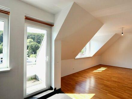 Dachwohnung mit Balkon! 3-Zimmer-Neubau und Garagenoption