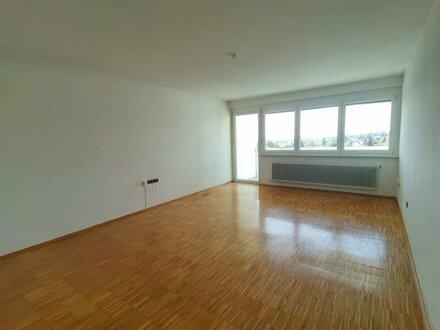 Koffer packen und einziehen! Wunderschöne und lichtdurchflutete Wohnung mit toller Raumaufteilung in absoluter Ruhelage!