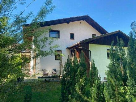 Einfamilienhaus mit großem Ausbaupotenzial in sehr guter Wohnlage von Bürmoos