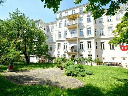 Unbefristete 131,63m² Altbaumiete mit verglaster Holzveranda, Gartenblick sowie 23m² Büro-Arbeitsbereich