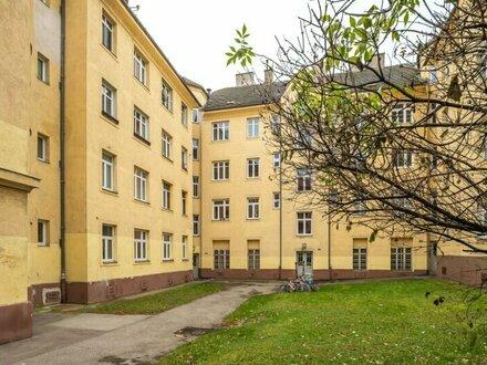 ++NEU++ Sanierungsbedürftige 1-Zimmer Altbau-Wohnung, viel Potenzial!