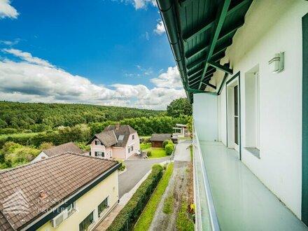 Beeindruckende 2-Zimmer Wohnung mit Balkon in Bahnhofsnähe