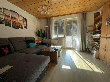 Wohwert - Schöne 3 Zimmerwohnung mit Balkon und Aussicht !!