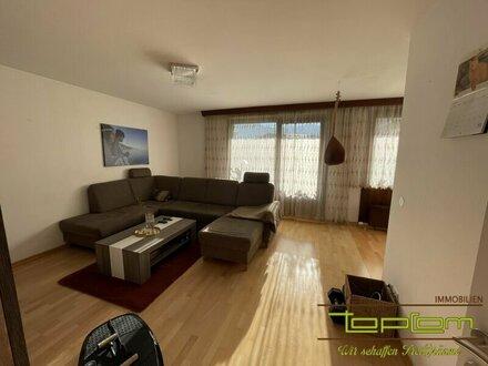 Helle 2 Zimmerwohnung mit großer Terrasse - Anfragen nur per Mail!