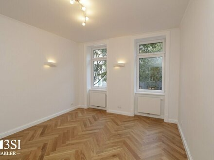 Central Mark: hochwertige 2 Zimmer-Altbauwohnung
