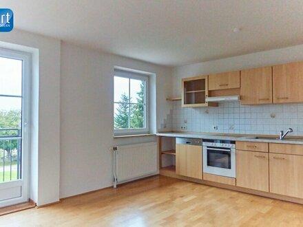 Schöne, helle Wohnung mit Fernblick