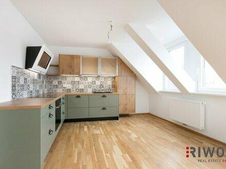 Erstbezug // traumhafte 3 Zimmer Dachgeschosswohnung mit Terrasse