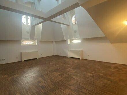 Außergewöhnliche 2-Zimmer DG-Wohnung nahe Donaukanal im 2. Bezirk zu vermieten