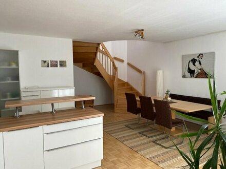 Geräumige 4-Zimmer Wohnung in zentraler Lage