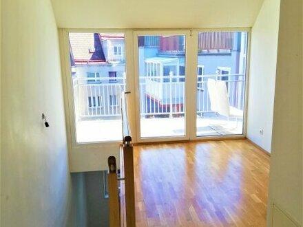Helle 2 Zimmer Wohnung beim Reumannplatz