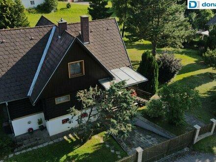Tolles Holzblockhaus am Ortsrand von Ottenstein.