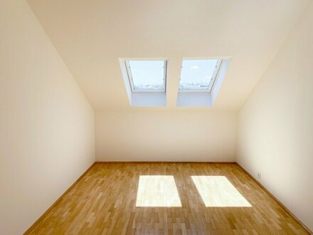 Moderne Dachgeschosswohnung mit Grünblick (GROSSE TERRASSE)
