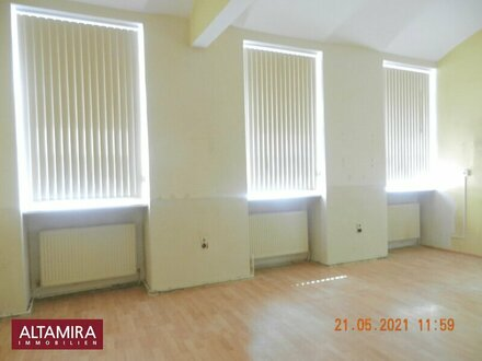 Barrierefreies Ecklokal für Ordination/Kanzlei/Geschäft/Gastronomie im Erdgeschoß mit Gewölbekeller