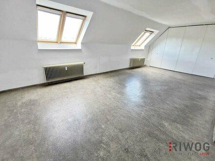 Helles Dachgeschossbüro auf der Meidlinger Hauptstraße