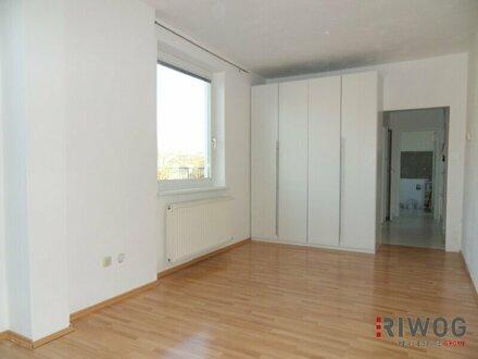 SCHICKE 1 Zimmer Wohnung I 45m² große TERRASSE