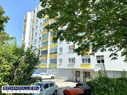 Großzügige 1 Zimmer - Wohnung mit Loggia, Garage und Parkplatz