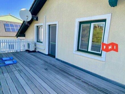 3-Zimmer DG-Wohnung mit Balkon!