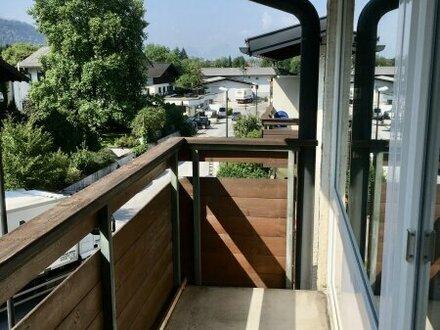 Startergarconniere mit Balkon und Carport-Stellplatz