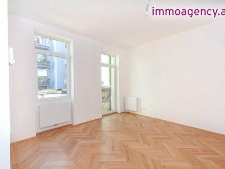 2 Zimmer Altbauwohnung mit großer Freifläche