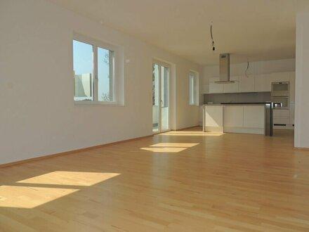 Sonnige 4-Zimmer Wohnung Nähe Badeteich