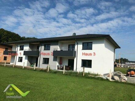 Mittelreihenhaus Nähe Mattighofen - Neubau - Carport, Parkplatz in schöner Ruhelage-Haus 2