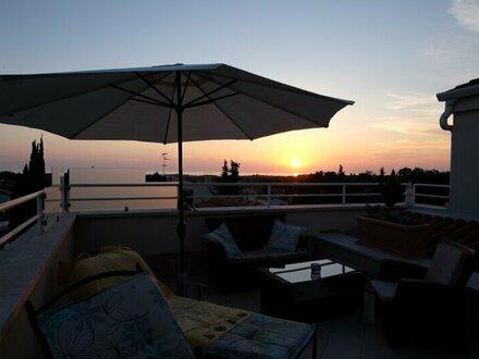 Glücksgefühle garantiert - Exklusive Penthousewohnung mit Meerblick in Porec (Istrien)