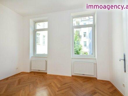 2 Zimmer Altbauwohnung - Hofseitig mit großer Terrasse