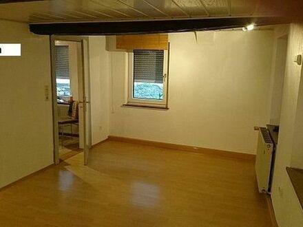 2ZKB Wohnung EG Altbau von privat für gut situierten Mieter.