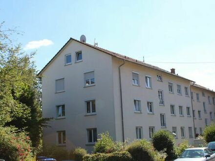 Vermiete 3 Zimmer, Küche, Bad, großer Balkon, Südausrichtung