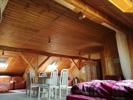 Schön gepflegte Möblierte Dachgeschosswohnung zu vermieten