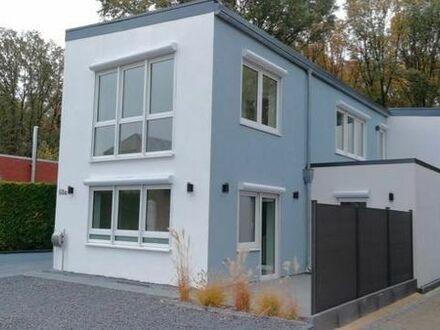 Modernes neues Einfamilienhaus mit 4 - 6 Zimmer und Photovoltaikanlage
