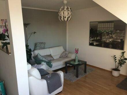 2-Zimmer DG-Wohnung in Gohlis, saniert, mit Einbauküche