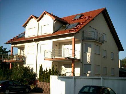 Helle 3,5 ZKB Wohnung im 1.OG mit schönem Balkon