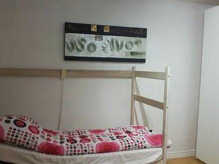 Möbliertes 22qm Zimmer in einer 5er WG- Umgebung von Karlsruhe
