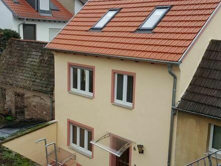 Heidelberg - Aufwändig renoviertes, schönes Häuschen im Herzen von Handschuhsheim