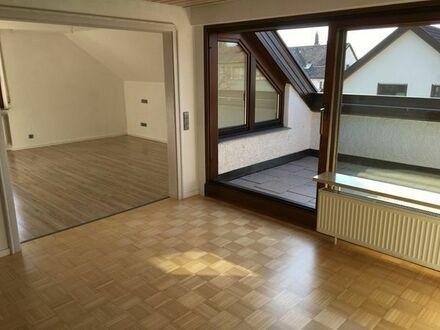 Sonnige und gepflegte 3,5 Zimmer DG-Whg. mit Balkon und Garage in Bernhausen