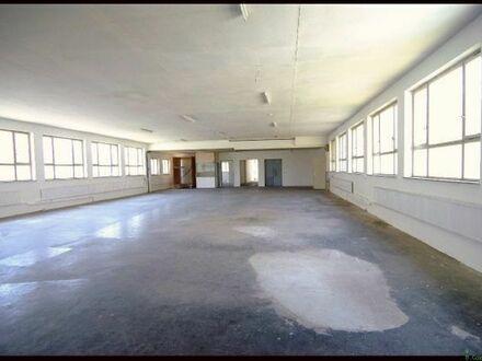 Großzüge freitragende Lagerhalle und Räume, Provisionsfrei