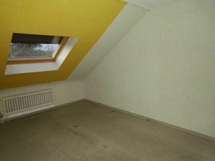 Ruhige 2 Raum -DG Wohnung für Rentnerpaar /Single - Homburg