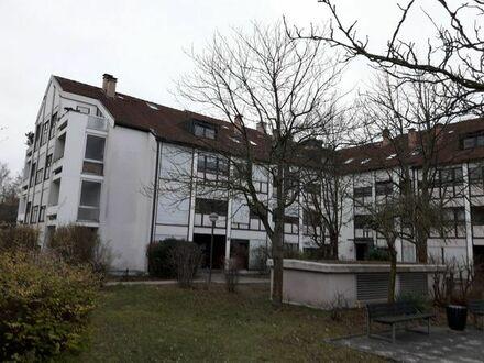 Toplage 2 Zimmer Eigentumswohnung mit großem Balkon und Tiefgarage Würzburg Frauenland im Grünen