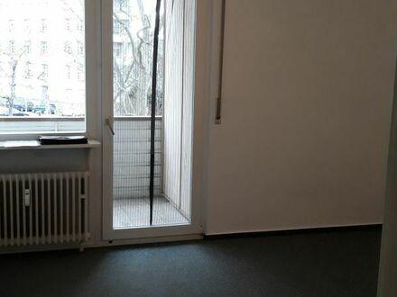 sehr helle 1 ZKB, Balkon 24,84 m2, 2.OG, Aufzug, nähe ECE Center